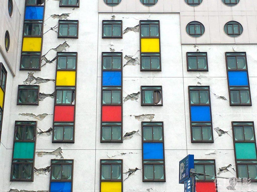 統帥大飯店的牆面被地震震壞